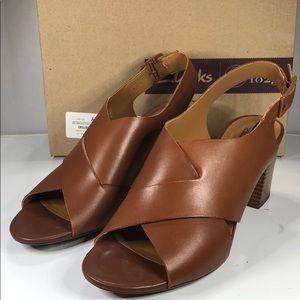 [181] Clarks 6.5 M Collection Women's Deva Sandals